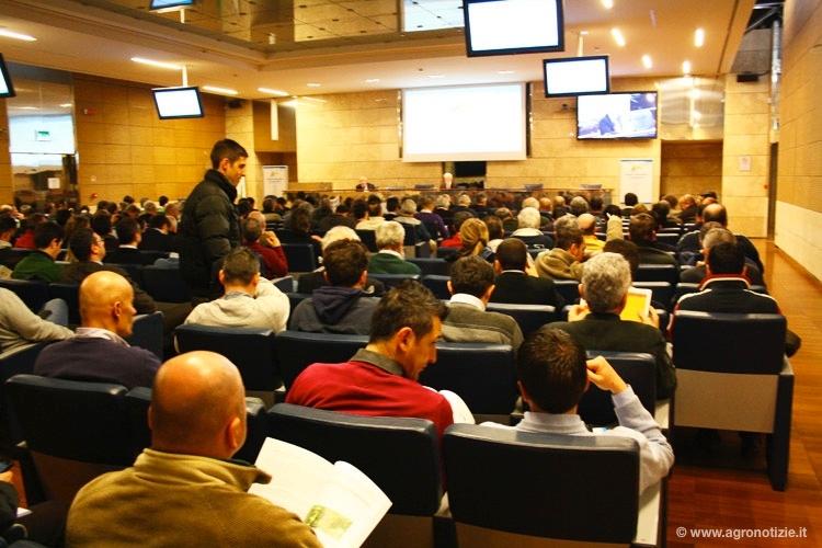 prodotti-fitosanitari-bologna-2013-sala-evento-byildavid