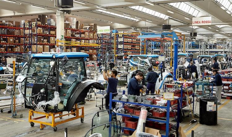 produzione-macchine-agricole-sospesa-in-italia