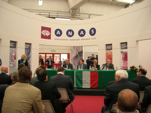rassegna_suinicola_2011_ministro_romano