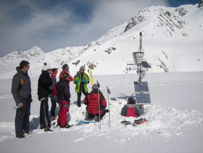 ricercatori-universita-milano-alpi-neve-ghiacciaio-fonte-universita-statale-di-milano.jpg