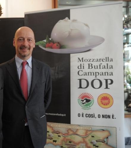 saccani28apr2016consorzio-tutela-mozzarella-di-bufala-campana-dop
