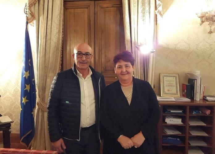 salvatore-palitta-presidente-consorzio-teresa-bellanova-ministro-incontro-12nov2019-fonte-consorzio-pecorino-romano