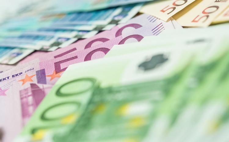 soldi-euro-banconote-by-vegefox-com-adobe-stock-750x464