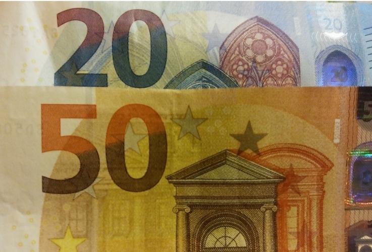 soldi-euro-banconote-finanziamenti-by-matteo-giusti-agronotizie-jpg.jpg