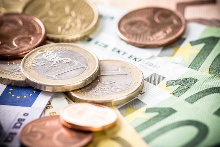 soldi-monete-euro-banconote-by-lukas-gojda-fotolia-750