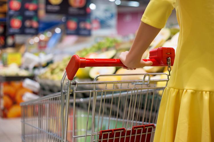 spesa-consumi-carrello-supermercato-by-kaspars-grinvalds-fotolia-750