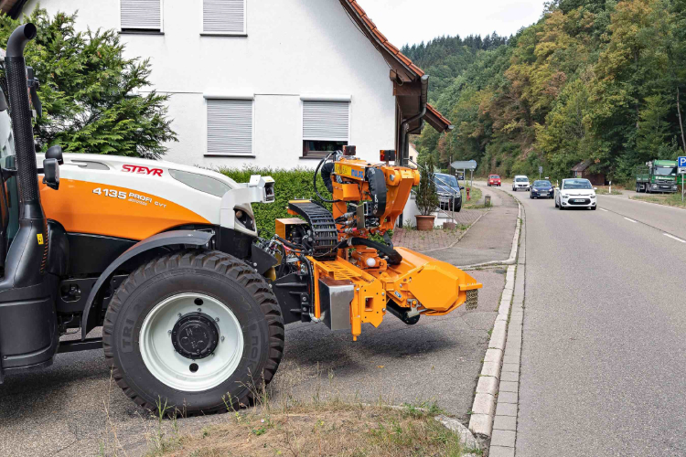 Visibilità al top con il sistema cross-traffic di Steyr