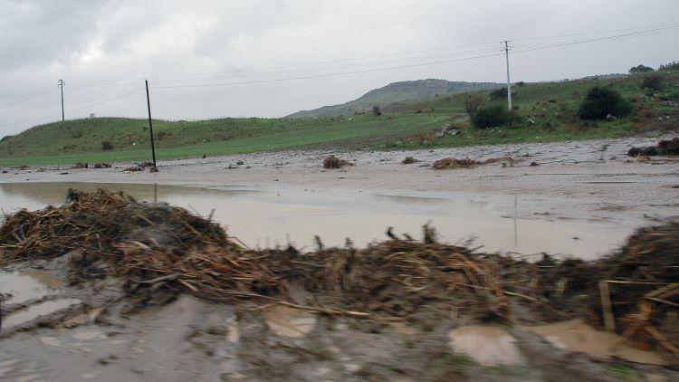 strada-rurale-allagata-fiume-in-piena-30-nov-2020-regione-sardegna