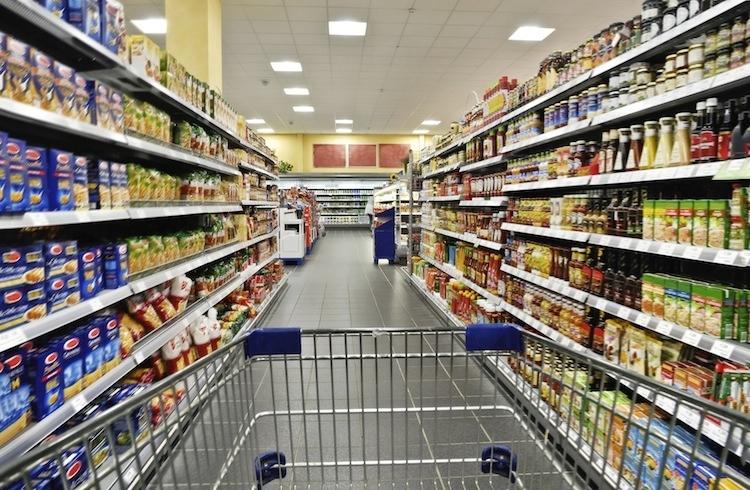 supermercato-supermercati-spesa-consumi-carrello-by-eisenhans-fotolia-750x490
