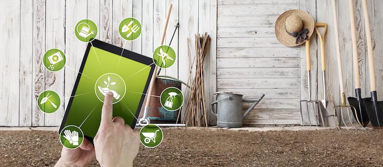 tablet-agricoltura-digitale-strumenti-innovazione-by-altro-adobe-stock-750x328