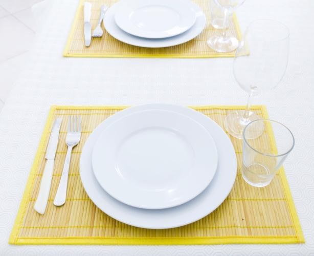 tavola-piatti-crisi-famiglie-750-lapas77-fotolia.jpeg