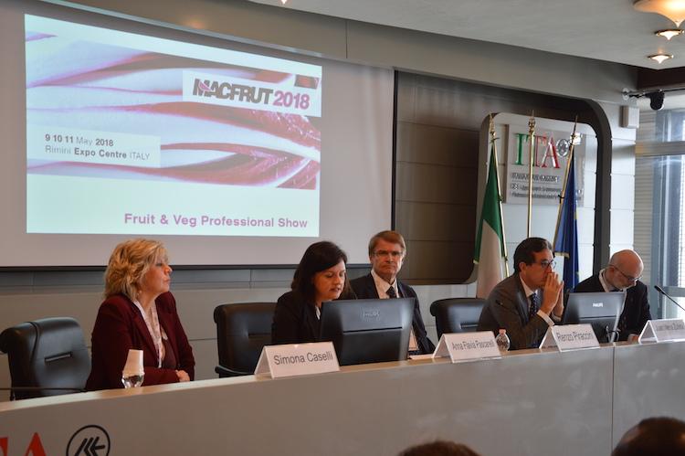 tavolo-conferenza-presentazione-macfrut-2018-roma-aprile-fonte-alessandro-vespa