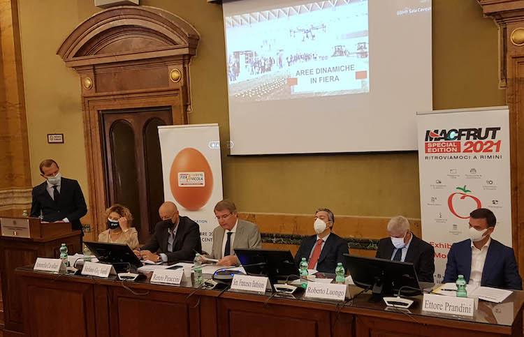 tavolo-conferenza-presentazione-macfrut-2021-roma-22-giu-2021-fonte-ufficio-stampa-macfrut