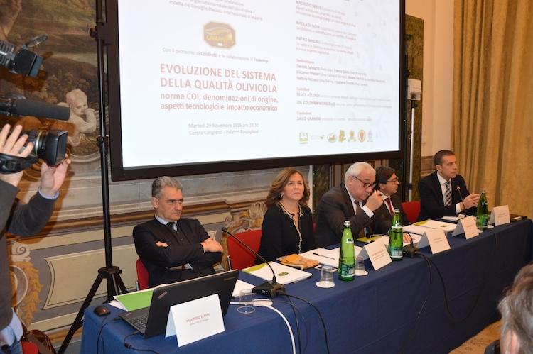 tavolo-convegno-qualita-olivicola-roma-2016-fonte-alessandro-vespa.jpg