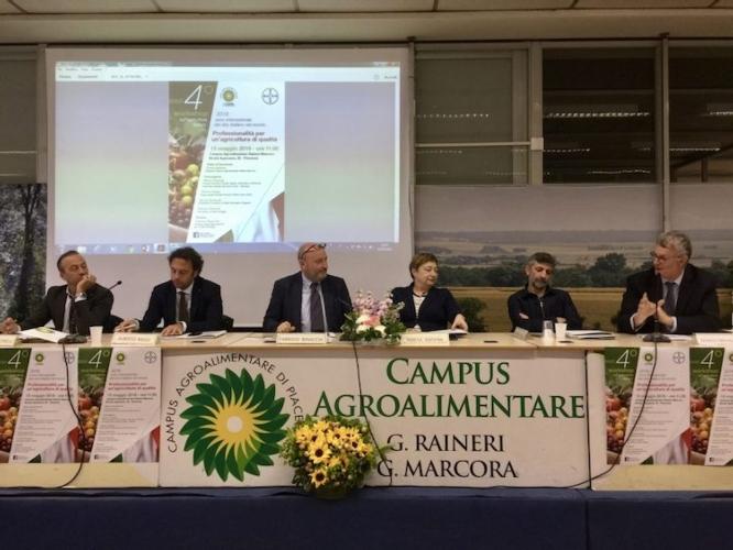 tavolo-relatori-quarto-workshop-agricoltura-italiana-campus-agroalimentare-piacenza-fonte-bayer
