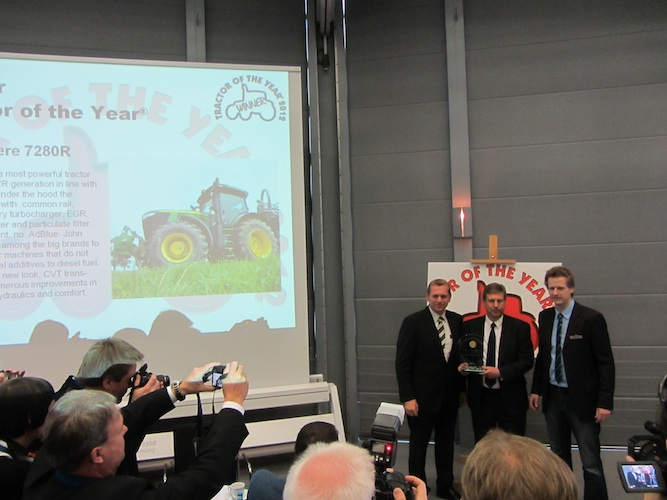 tractor-of-the-year-winner-2012-john-deere-7280R-agritechnica