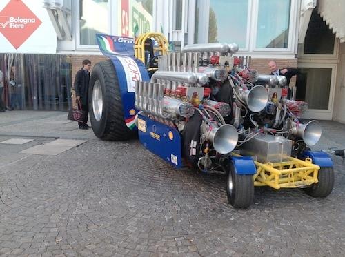 tractor-pulling-eima-2012-tornado-2