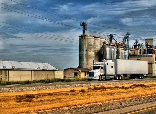 trasporto-cerali-camion-byflickrcc20-monicasdad.jpg