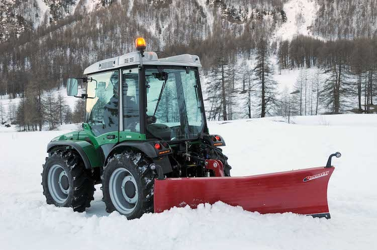 trattore-vega-k105-ferrari-su-neve-fonte-bcs