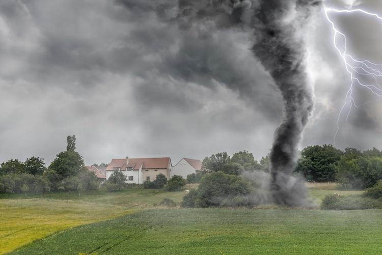 uragano-tornado-maltempo-tromba-d-aria-ciclone-by-vchalup-fotolia-750.jpeg