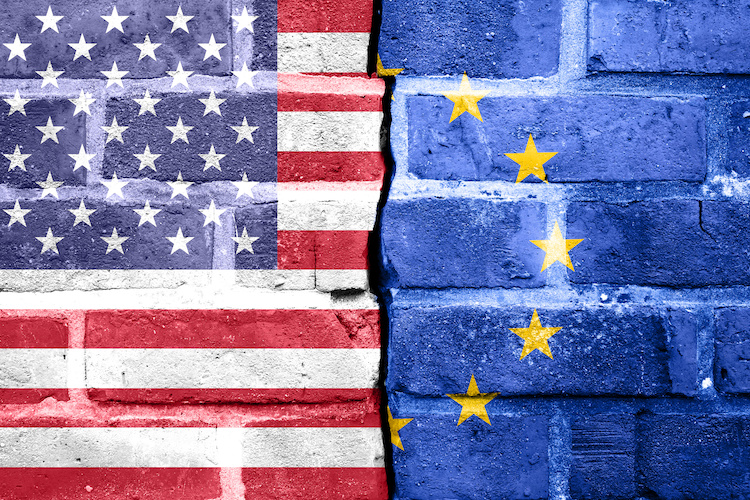 usa-vs-europa-scontro-by-fotoidee-adobe-stock-750x500