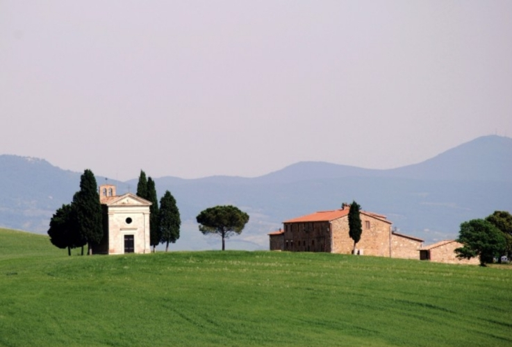 val-d-orcia-paesaggio-toscana-by-massimo-telo-wikipedia-jpg