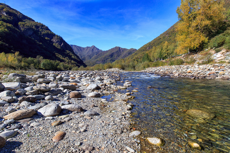 valsesia-fiume-sesia-piemonte-montagna-vercellese-novarese-affluente-po-by-pasquale-danna-adobe-stock-750x500
