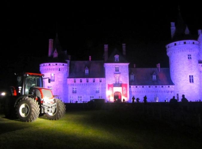 valtra-agco-trattori-castello-sully-loira-novita-settembre-2012-macchine-agricole-bycspadoni