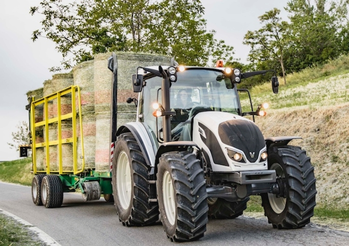 valtra-serie-a4-red-dot-2018.jpg