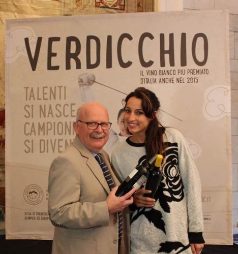 verdicchio-nov14-direttore-imt-alberto-mazzoni-campionessa-fioretto-elisa-di-francisca