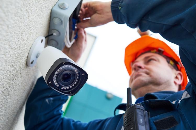 videosicurezza-telecamera-telecamere-sicurezza-cctv-by-kadmy-fotolia-750.jpeg