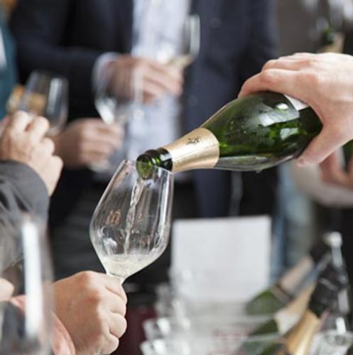 vino-bottiglia-fiera-eventi-fonte-merano-winefestival.png