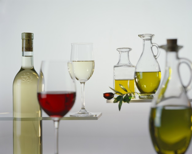 vino-olio-by-superfood-adobe-stock-624x500