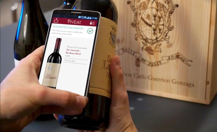 viveat-bottiglia-vino-smartphone