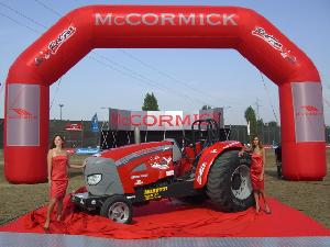 McCormick-Red-Fox-tractor-pulling-Volpine