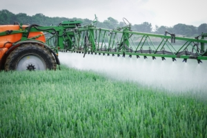 agrofarmaci-distribuzione-fitosanitari-dettaglio-by-countrypixel-fotolia-750