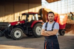 agromeccanici-agromeccanico-macchine-agricole-by-bnenin-adobe-stock-750x500