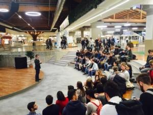 andrea-segre-lezione-studenti-a-fico-nov-2017-fonte-caab