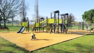 area-gioco-parco-verde-pubblico-verde-urbano-by-oceanprod-adobe-stock-750x500