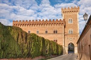 bolgheri-castello-by-ermess-adobe-stock-jpg