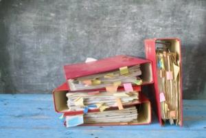 burocrazia-faldoni-amministrazione-documenti-by-thomas-bethge-fotolia-750