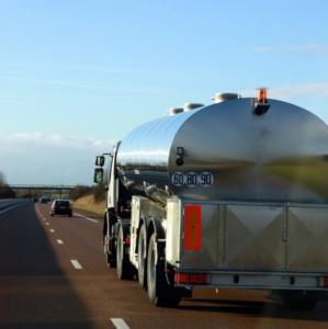 camion-cisterna-trasporto-by-illustrez-vous-fotolia-750