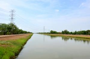 canale-irrigazione-acqua-by-tuayai-fotolia-750