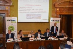 conferenza-inaugurazione-macfrut-2016-ago-roma-fonte-alessandro-vespa
