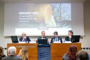 conferenza-milano-parmigiano-reggiano-fonte-consorzio-parmigiano-reggiano