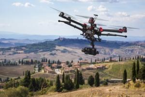 drone-droni-tecnologia-agricoltura-precisione-by-alexander-kolomietz-fotolia-750