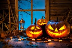 halloween-zucca-zucche-intagliate-by-alexander-raths-adobe-stock-750x500