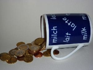 latte_tazza_soldi