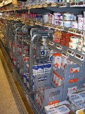latticini-sugli-scaffali-del-supermercato