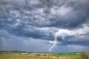 maltempo-pioggia-alluvione-temporale-fulmini-patryk-kosmider-fotolia-750